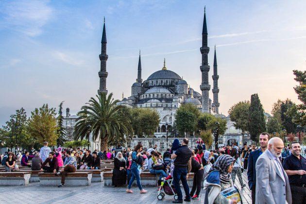 Какую одежду брать с собой в Стамбул в апреле