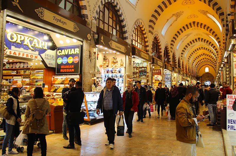 Египетский рынок (Mısır Çarşısı) в Стамбуле