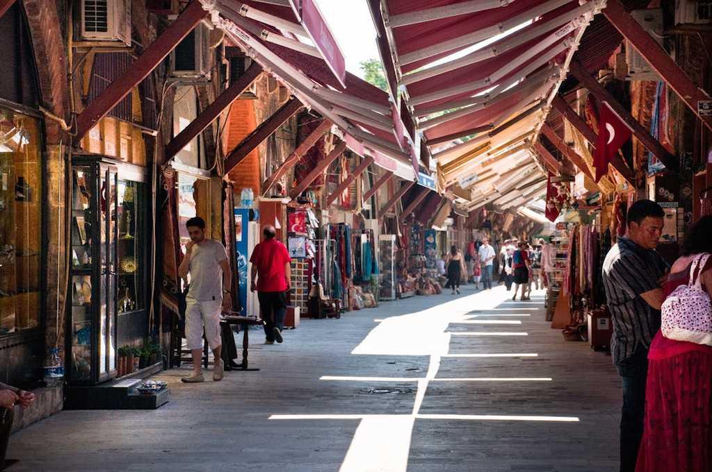 Базар Араста (Arasta Bazaar) в Стамбуле