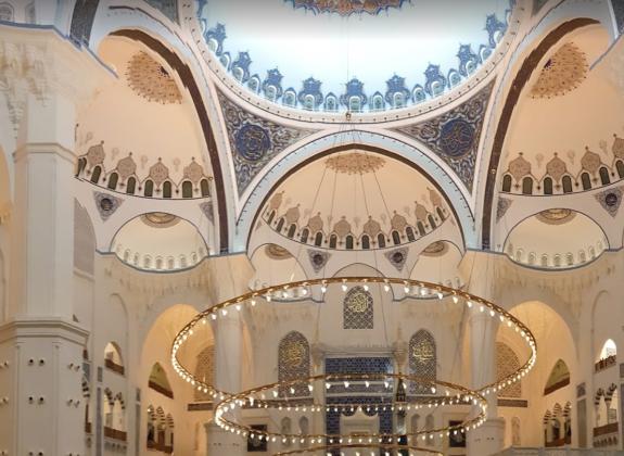 Мечеть Чамлыджа внутри