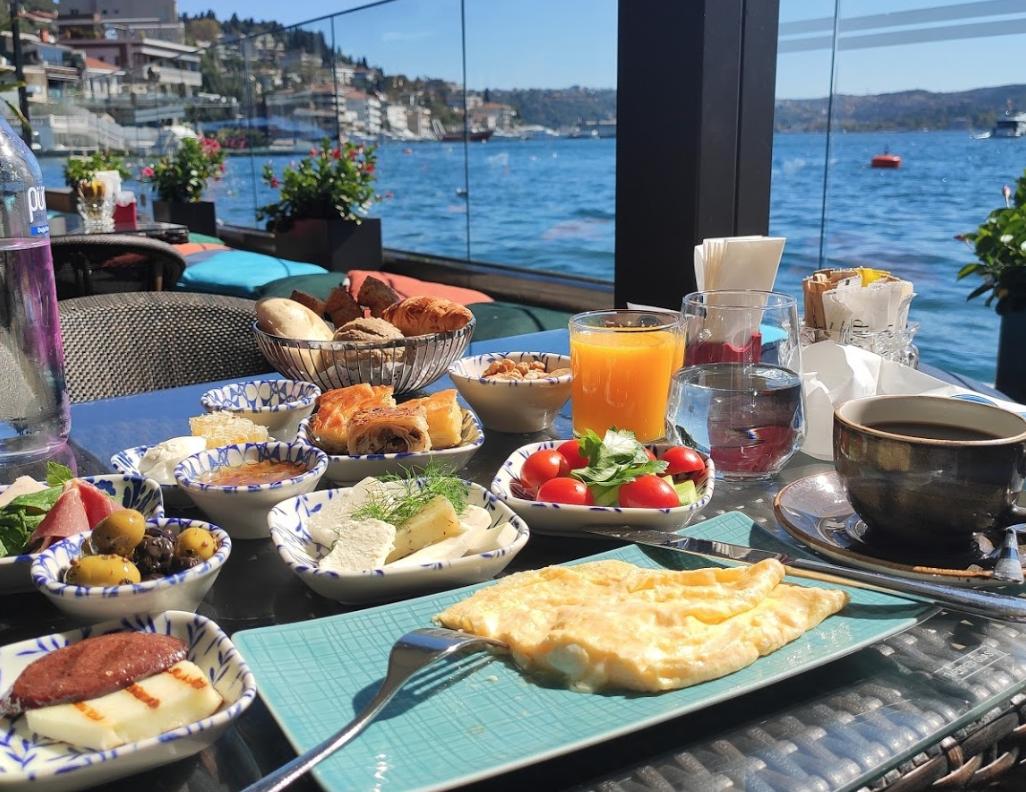 Ресторан Divan Bebek Brasserie в Стамбуле