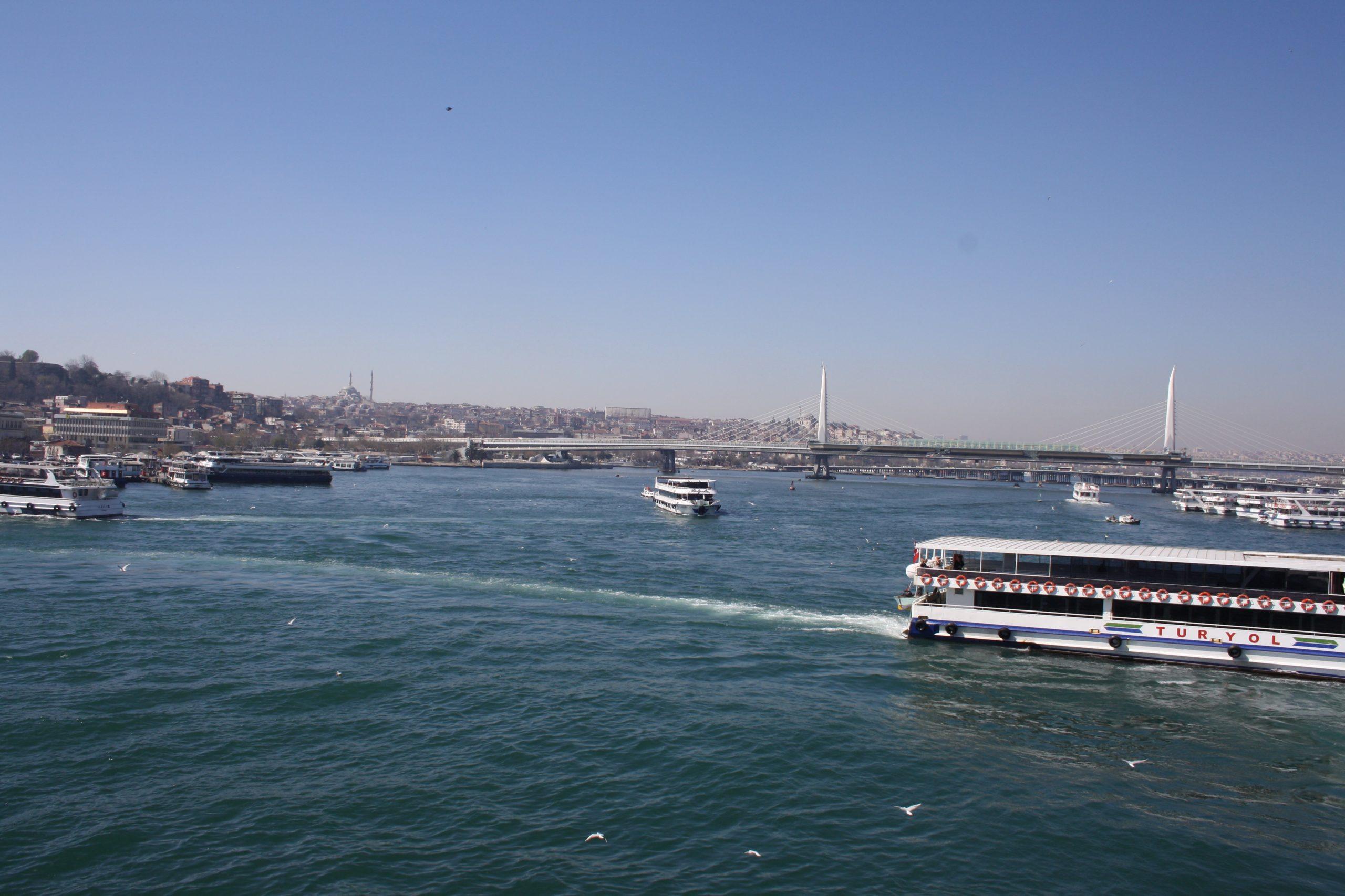 Кораблики по Босфору