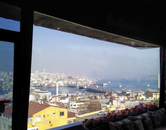 Крыша Тахт в Стамбуле